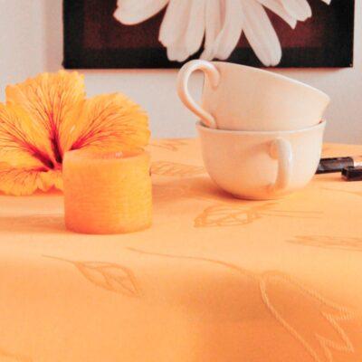 Pomarańczowy obrus plamoodporny - gładki